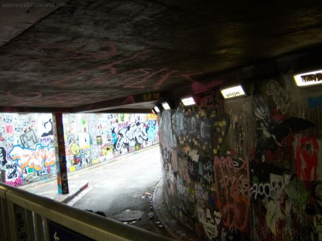 Exploring the Graffiti Tunnel 2008 | inlovewiththeworld.com
