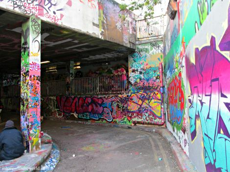 Exploring The Graffiti Tunnel | inlovewiththeworld.com