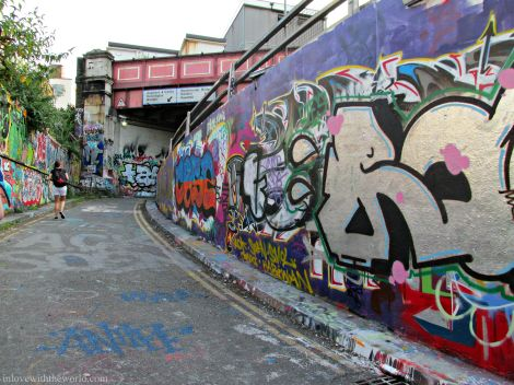 Graffiti Tunnel | inllovewiththeworld.com