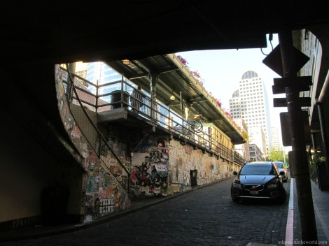 Pike Street Tunnel | inlovewiththeworld.com