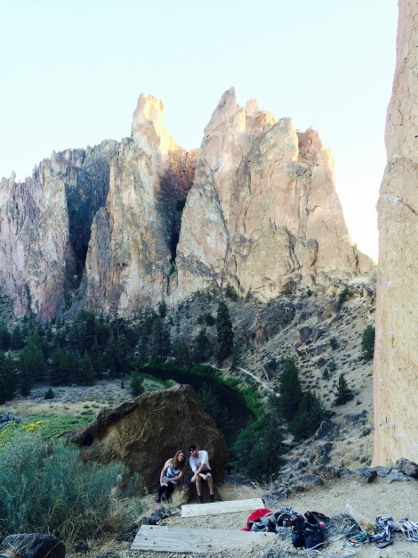 Jaime and Ashley at Smith Rock | inlovewiththeworld.com